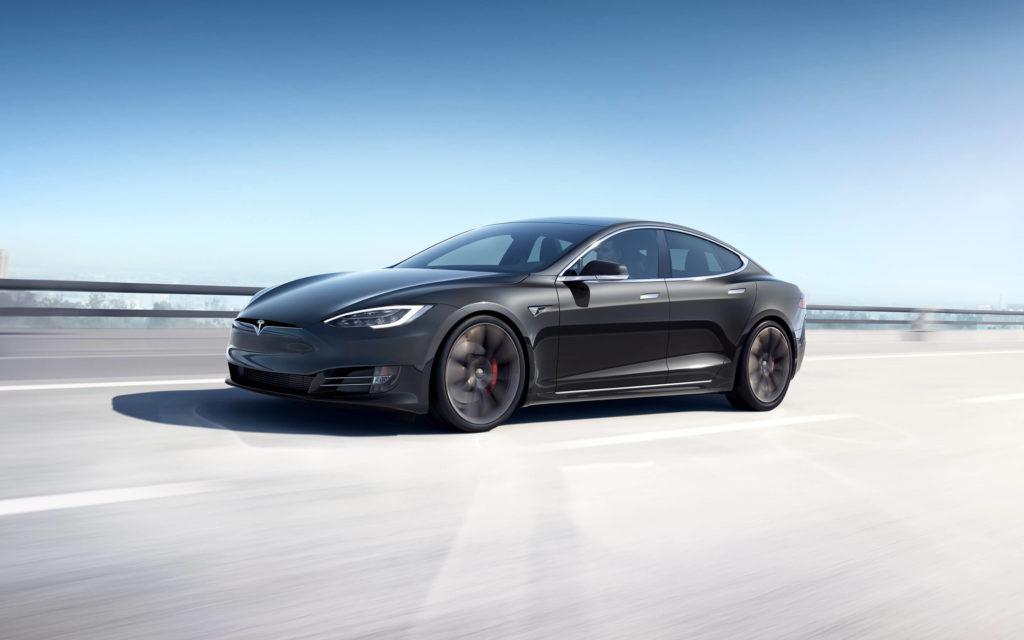 Tesla Model S auto elettrica