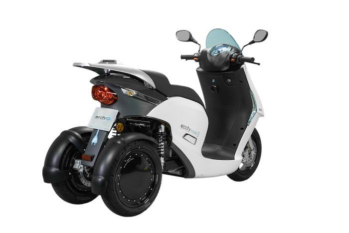 Eccity Model 3 e-scooter