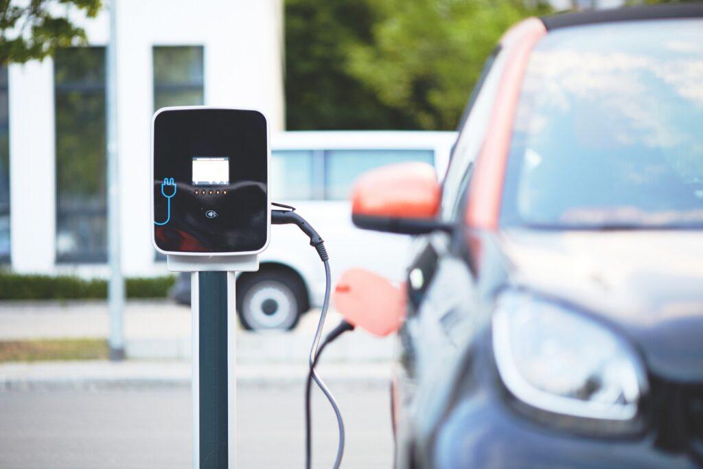 sistema di ricarica per auto elettrica