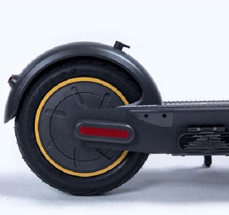 Monopattino elettrico Segway Max G30