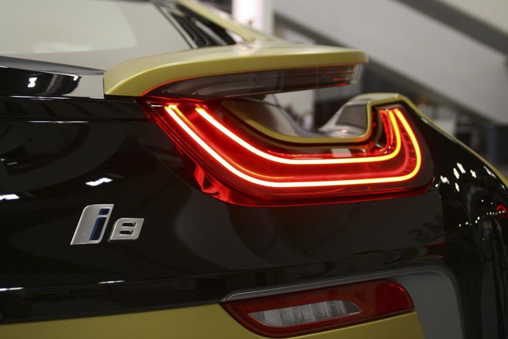 Auto elettrica BMW i8