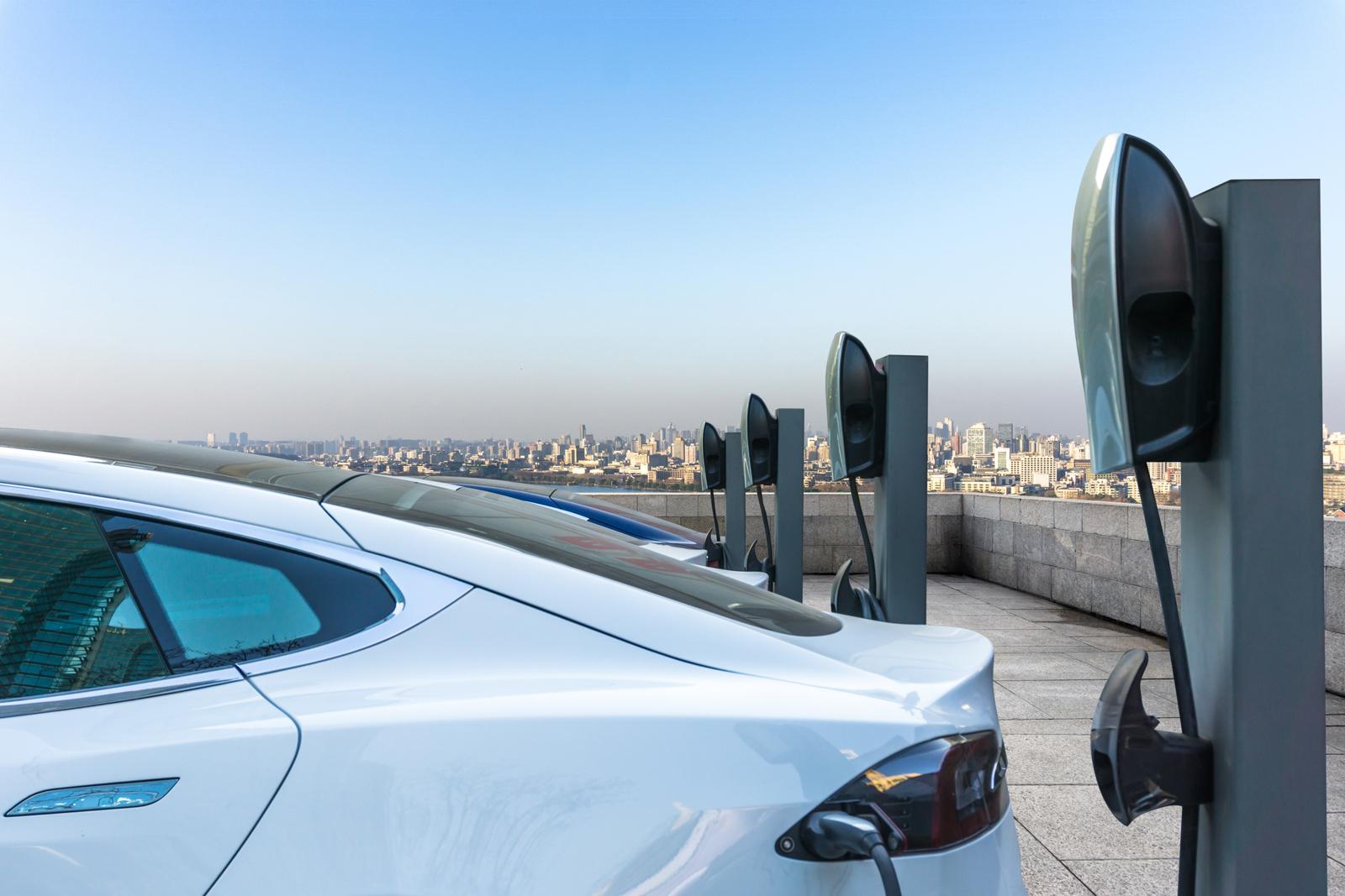 auto elettriche colonnine business