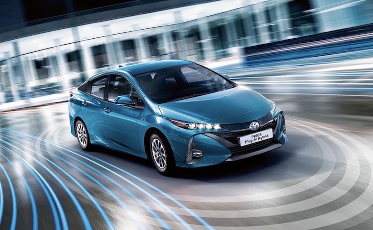 Toyota Prius auto ibrida plug in