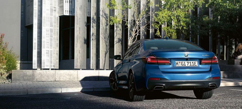 BMW 530E auto ibrida plug-in